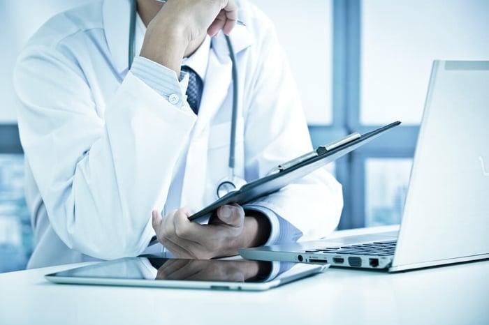 social media marketing for healthcare2 (1).jpg