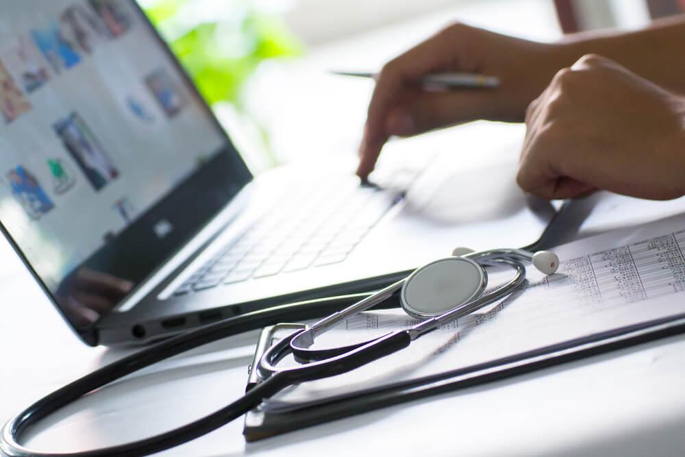 Healthcare social media (1).jpg
