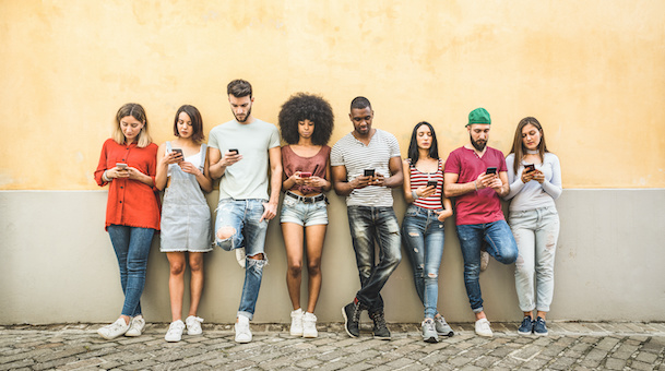 How to Reach GenZ: 3 SMS Communication Strategies to Reach This Generation