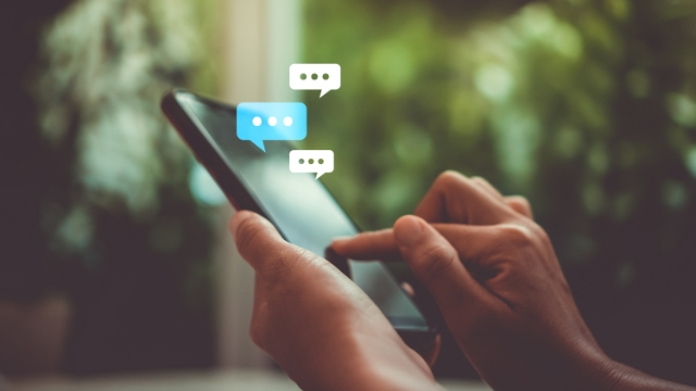 5 Ways to Connect with Alumni through SMS